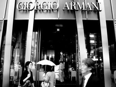 Giorgio Armani oficjalnie rezygnuje z naturalnych futer!