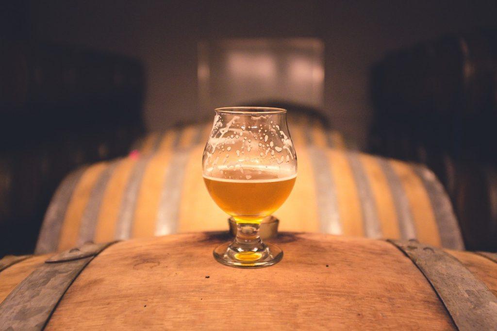 Jak zrobić piwo domowej roboty [PORADNIK]