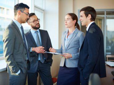 Więzi pracownicze – jak się kształtują?