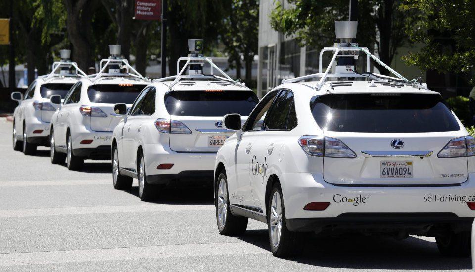 Testowe samochody autonomiczne - dlaczego wszystkie to hybrydy?