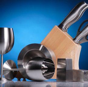 Akcesoria kuchenne, z różnych materiałów. Jakie warto wybierać?