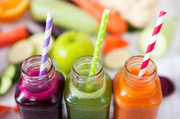 Letnia dieta sokowa – oczyszcza z toksyn, wspomaga odchudzanie