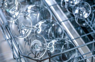Pięć cech jakie powinna mieć dobra zmywarka do gastronomii?