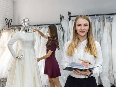 Jak wybrać salon sukni ślubnych, aby odnaleźć swoją wymarzoną kreację?