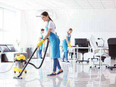 Dlaczego warto wybrać profesjonalną firmę sprzątającą?